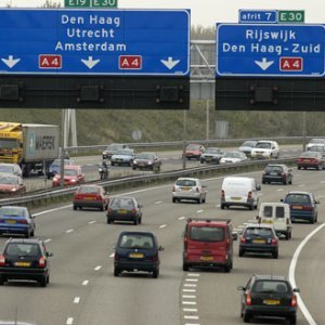 Traffic Flow Theory and Simulation: 3. Moving Bottlenecks and Queuing